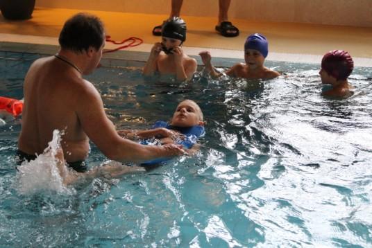 tren.Pov.Juoz moko plaukti 3 kl. mokinius