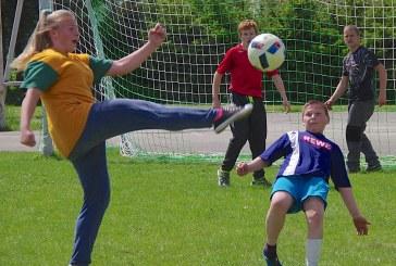 Jaunųjų šaulių lengvosios atletikos, futbolo ir tinklinio varžybos Išlauže (Foto reportažas)