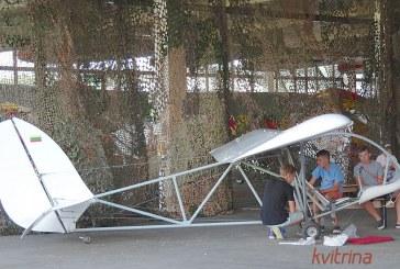 Pociūnuose nukrito mokomasis sklandytuvas. Nukentėjo mažametė prieniškė