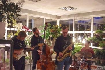 """Jaunųjų džiazo atlikėjų vakaras """"AsMeniškoje"""" krautuvėlėje (Foto akimirkos)"""