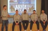 """""""Vytauto"""" krepšininkai lankėsi Stakliškių gimnazijoje"""