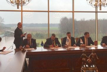 Pasirašyta sutartis dėl siekio sujungti keturias savivaldybes dviračių takais