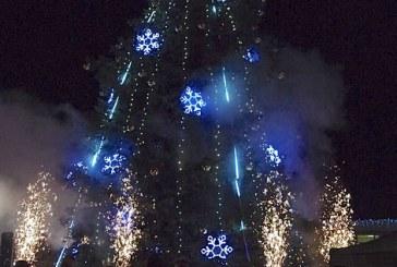 Prienuose – Kalėdinės eglės įžiebimas ir besmegenių paradas
