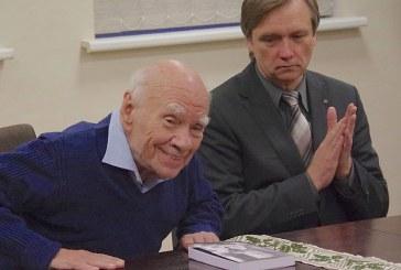 Bronislovo Genzelio knygos pristatymas Prienų J. Marcinkevičiaus bibliotekoje (Foto reportažas)