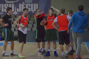 U-17 komandos treniruotė (Treneris Marius Leonavičius). Foto akimirkos