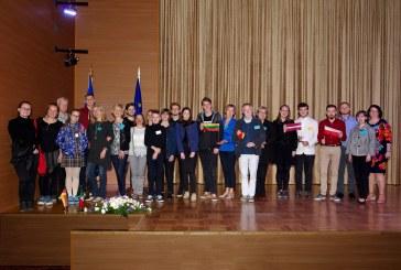 """Birštono gimnazijos Erasmus+ projekto komanda sėkmingai užbaigė tarptautinį projektą """"Atmintis – totalitarizmas Europoje ir istorinė savimonė tarptautiniame kontekste""""."""