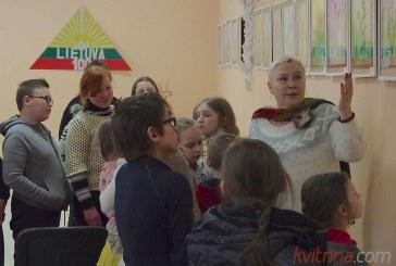 Menininkės Vilijos Čiapaitės susitikimas su N.Ūtos pagrindinės mokyklos mokiniais (Foto reportažas)