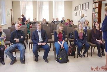 Stakliškių gimnazijos mokinių paroda Prienų bibliotekoje (Foto akimirkos)