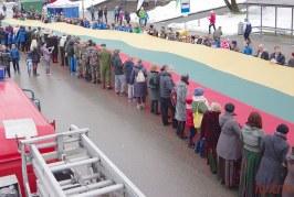 Vienybės ėjimas su vėliava. Bėgikų apdovanojimai (Foto reportažas)