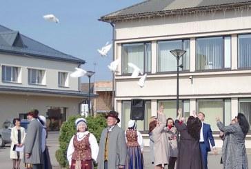 Taikos vėliavos pakilimas Prienuose (Foto reportažas)