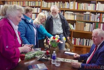 Prienų bibliotekoje lankėsi istorikas, politikas Arvydas Anušauskas (Fotoreportažas)