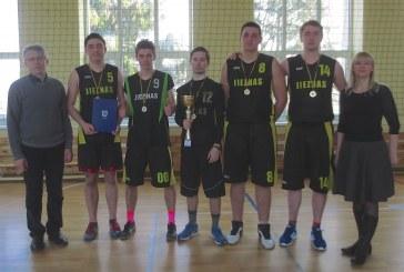 """""""Centro"""" komanda – Jiezno seniūnijos krepšinio turnyro nugalėtoja"""