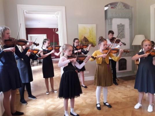 Birštono-meno-mokyklos-ansamblis-Zyplių-dvare-e1527072179387