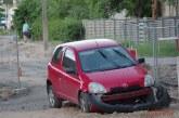"""Kelionė pavogtu """"Tango Pizza"""" automobiliu baigėsi remontuojamoje F. Martišiaus gatvėje"""
