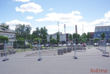 Laisvės aikštėje pradėti paruošimo darbai šviečiančiam vandens fontanui įrengti