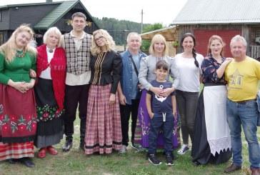 Klojimo teatrų festivalis Galinių sodyboje. II dalis (Fotoreportažas)