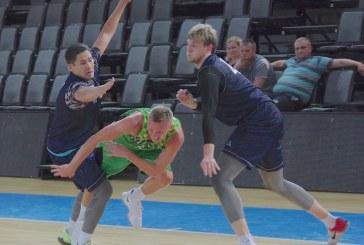 """Krepšinis Prienuose. Kazachstano rinktinė -""""Šilutė"""" (Fotoakimirkos)"""