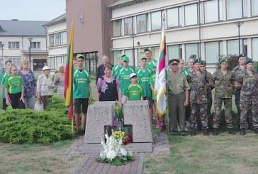 Prienų visuomenė simboliškai išlydėjo bėgikus į Ariogalą (Fotoreportažas)
