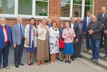 Tradicinis klasės susitikimas – prisiminimai, bendravimas ir koncertas naujoje Balbieriškio bažnyčioje