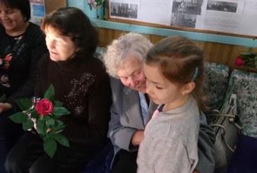 Kašonių bibliotekoje profesinės šventės proga prisiminti mokytojai