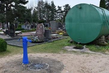 Atsakingos tarnybos pasiruošę žmonių antplūdžiui prie Ivoniškių kapinių