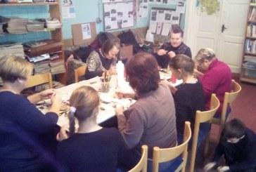 Kašonių bendruomenė bibliotekoje ruošiasi Kalėdinei šventei