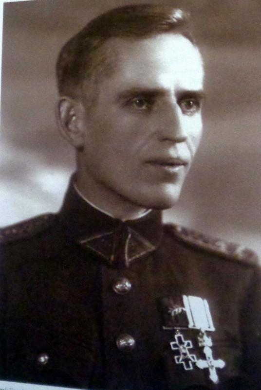 Liudas Žukauskas-Sakalinis  jam,įteikus Vytauto Didžiojo ordiną 1934 m