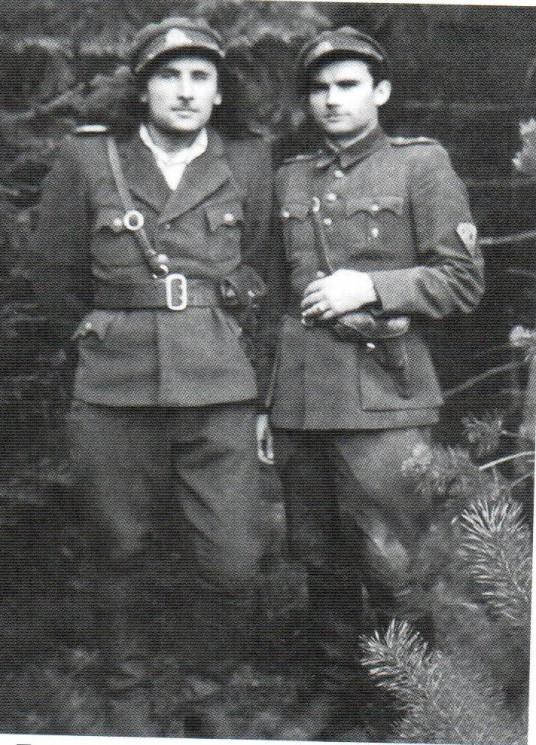 20)Pirmasis Šiugždinis Justinas-Žvirblis ,antrasis iš kairės partizanas Šiugždinis Jonas-Anupras