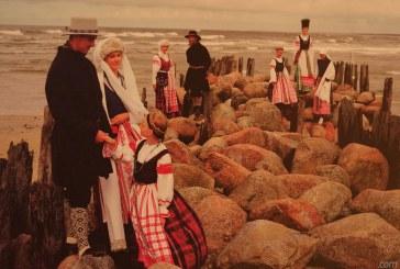 Lietuvių tautinio kostiumo paroda Birštono KLC (Nuotraukos)