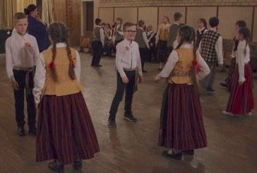 """Respublikinės moksleivių folklorinių šokių varžytuvės """"Patrepsynė"""". Skriaudžiai (Fotoakimirkos)"""