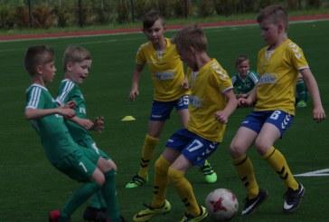 Prienų KKSC jaunieji futbolininkai pirmą kartą sudalyvavo oficialiose varžybose