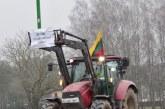 Ūkininkų nepasitenkinimas valdžios sprendimais – traktorių kolona, sujungusi Birštoną ir Prienus