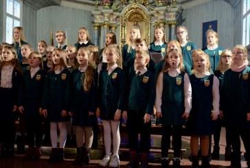 """Sakralinės muzikos festivalis ̇""""Džiaugsmas pasauliui"""" Prienų bažnyčioje (Fotoreportažas)"""
