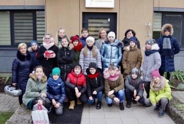 """̇""""Ąžuolo"""" progimnazijos mokinių viešnagė Šilavoto globos namuose (Fotoreportažas)"""