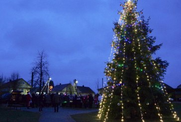 Kalėdinės eglės įžiebimas Stakliškėse (Fotoreportažas)
