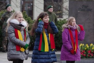 Iškilminga Lietuvos valstybės vėliavos pakėlimo ceremonija J. Basanavičiaus aikštėje (Fotoreportažas)