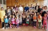 """Jiezno vaikų darželyje – """"CBet-KKSC"""" krepšininkų viešnagė ir dovanos"""