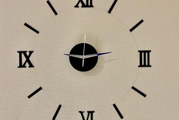 Nepamirškite sekmadienį 3 val. nakties persukti laikrodžių rodyklesvalandą į priekį