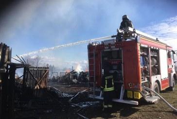 Panartiškių kaime sudegė sublokuoti ūkiniai pastatai, namas išgelbėtas