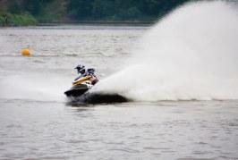Birštonas apribojo motociklų judėjimą kurorte, bet miesto ramybę sudrumstė vandens motociklai