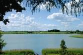 Liepos 1 d. paimti mėginiai rodo, kad Jiezno ežere galima maudytis