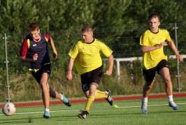 """Paskutiniame Prienų futbolo čempionate reguliaraus sezono ture– lyderio pergalė ir bauda """"Kalniečiams"""""""