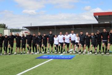 """UEFA """"A"""" licencijos siekiantys treneriai tobulinosi Prienuose"""
