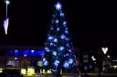 Prienuose įžiebta naturalį gražuolė – Kalėdinė eglė (Fotoakimirkos)