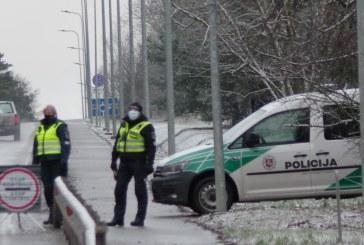 Įvažiavimus į Birštoną ir Prienus stebi policijos pareigūnai (Fotoakimirkos)