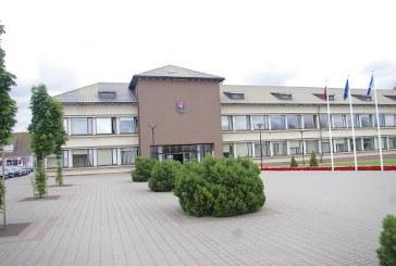 Prienų rajono savivaldybės Tarybos posėdyje: papildytas administracijos direktoriaus fondas, į dienotvarkę neįtrauktas mažumos sprendimo projektas, diskusijos dėl savivaldybės iniciatyvos ir šilumos trasų įrengimo