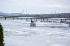 Nemunas be triukšmo vaduojasi nuo ledo gniaužtų (Fotoakimirkos)