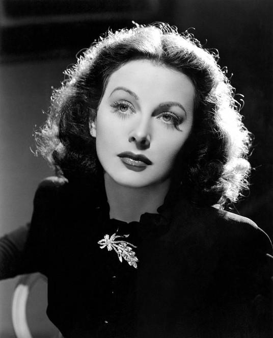 2_Hedy_Lamarr_in_The_Heavenly_Body_1944