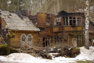 Birštone sekmadienį vakare sudegė dar N. Silvanavičiaus statytas gyvenamasis namas