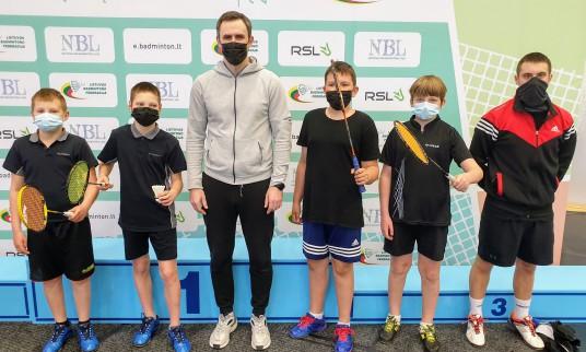 Prienų BK badmintonininkai: Danielius Sukanka, Arnas Jarmalauskas, Dalius Juodsnukis, Gustas  Černevičius, Emanuelis Vnek, Deividas Žilinskas